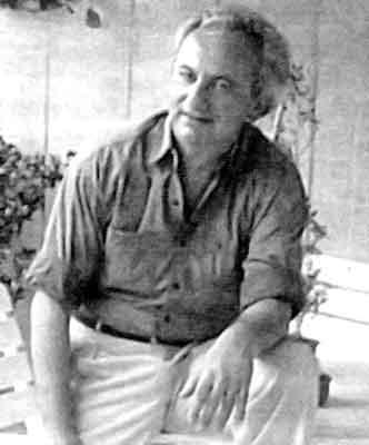 Ο Παναγιώτης Κονδύλης (Panagiotis Kondylis, Panagiotes Kondyles) (17 Αυγούστου 1943 – 11 Ιουλίου 1998), υπήρξε Έλληνας φιλόσοφος, συγγραφέας και μεταφραστής. Έγραψε κυρίως στα γερμανικά και μετέφραζε ο ίδιος τα βιβλία του στα ελληνικά. Το έργο του τον τοποθετεί στη συνέχεια της παράδοσης των Θουκυδίδη, Νικολό Μακιαβέλι και Μαξ Βέμπερ