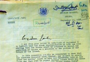 Το απόρρητο έγγραφο του Foreign Office που αποδεικνύει ότι ο Ευ. Αβέρωφ, άρχισε να προωθεί την ιδέα της διχοτόμησης τον Ιούλιο του 1956, σε συνάντηση που είχε στην Αθήνα με τον Αμερικανό υπουργό Kohler, ενώ βρισκόταν σε πλήρη εξέλιξη ο Απελευθερωτικός Αγώνας της ΕΟΚΑ. Το Σεπτέμβριο του 1956, ο Αβέρωφ επανέλαβε την ιδέα της διχοτόμησης της Κύπρου ως τη μόνη λύση του Κυπριακού ζητήματος στον υπουργό Εξωτερικών της Νορβηγίας Halvard Lange. Δύο βδομάδες αργότερα πρότεινε ξανά τη διχοτόμηση στον ίδιο τον Τούρκο πρέσβη σε δύο συναντήσεις που είχε μαζί του στην Αθήνα. Το συγκεκριμένο έγγραφο αποδεσμεύτηκε, μόνο μετά την πάροδο 50 χρόνων αντί 30 χρόνων όπως ισχύει με άλλα απόρρητα βρετανικά έγγραφα.