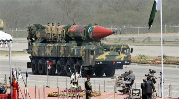 Ο πακιστανικής κατασκευής πύραυλος Shaheen II μπορεί να φέρει πυρηνικές κεφαλές. Η χώρα διαθέτει ένα από τα ταχύτερα αναπτυσσόμενα πυρηνικά οπλοστάσια στον κόσμο