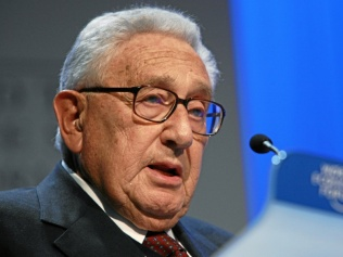 henry_kissinger_-_world_economic_forum_annual_meeting_davos_2008_numb2